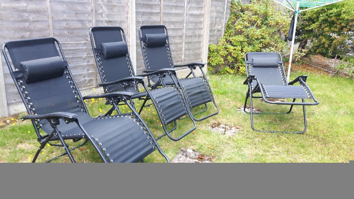 Reclining garden chairs